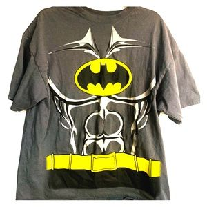 Batman t-shirt with cape xxl
